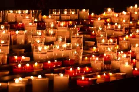Trauer mit Licht begegnen
